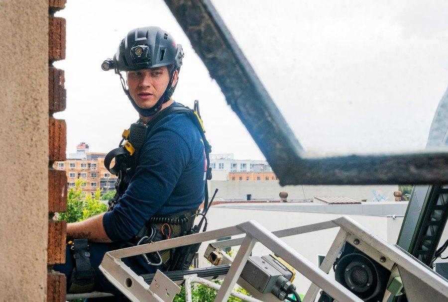 911 Cast Salaries Oliver Stark