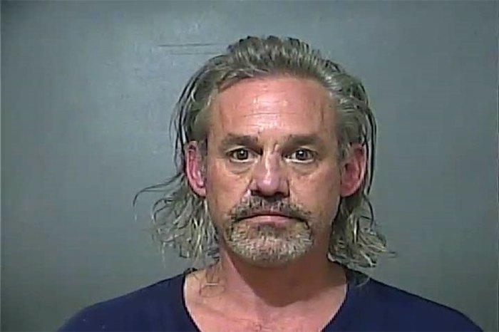 القبض على بافي قاتل مصاص الدماء نيكولاس بريندون بتهمة الاحتيال على المخدرات بوصفة طبية