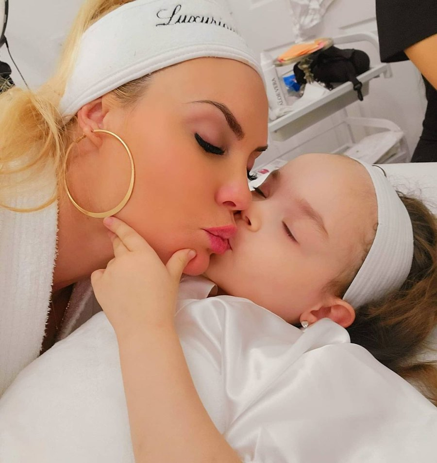 Coco Austin's Breast-Feeding Photos With Daughter Chanel, Nursing Quotes July 2021