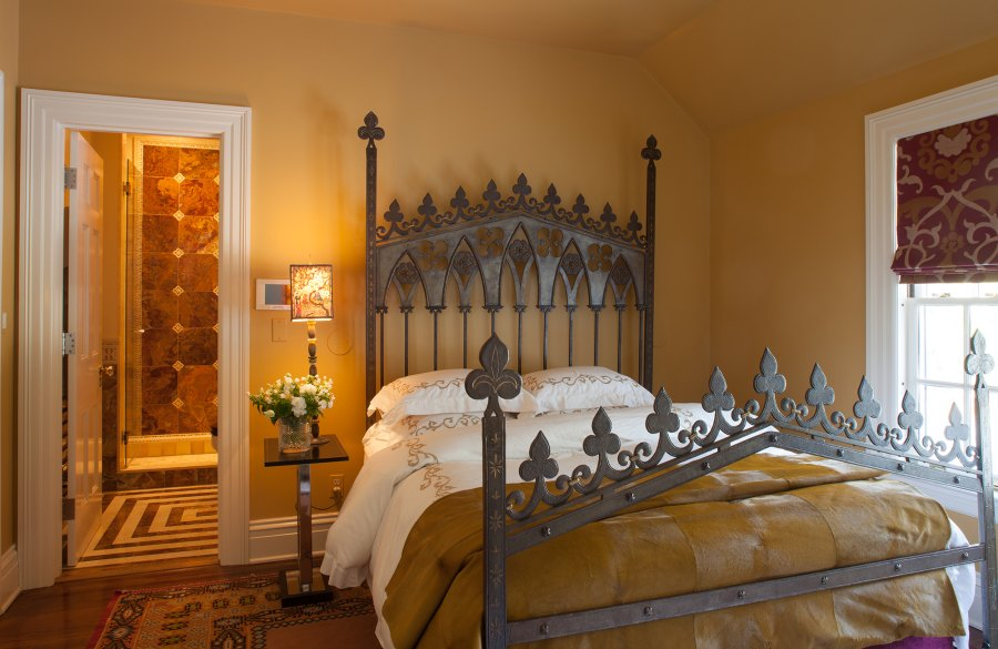 Gothic Bedroom Mick Hales Real Housewives of New York's Dorinda Medley Is Renting Out Her 18-Acres Blue Stone Manor