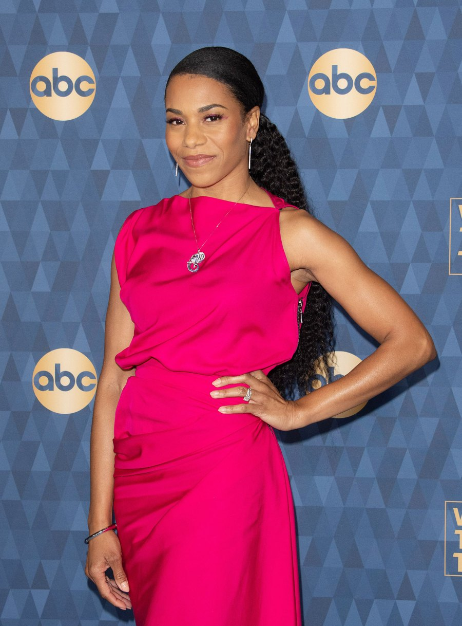 Greys Anatomy Kelly McCreary Pregnant Expecting 1st Child With Husband Pete Chatmon Pink Dress