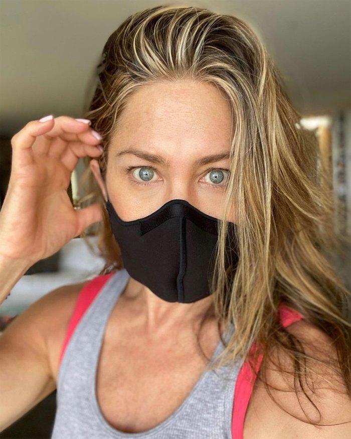 Jennifer Aniston critica a los críticos por eliminar a las personas no vacunadas de Life 2