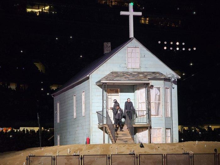 Kanye West recrea la boda con Kim Kardashian en la tercera fiesta de escucha de Donda 4 Marilyn Manson