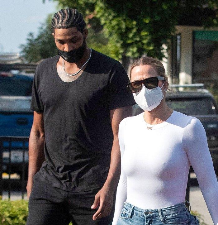 Khloe Kardashian usa collar de mamá con su hija True Tristan Thompson