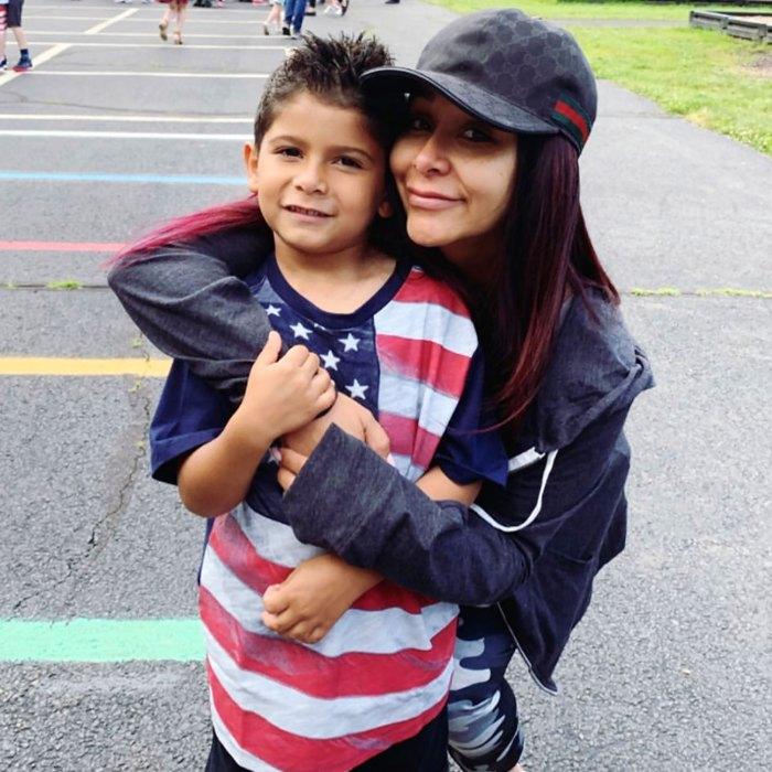 El hijo de Nicole 'Snooki' Polizzi, Lorenzo, de 8 años, la llama 'vergonzosa' después de ver los clips de 'Jersey Shore'