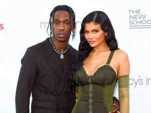 Pregnant Kylie Jenner Appears to Hint at 2nd Baby Sex Travis Scott