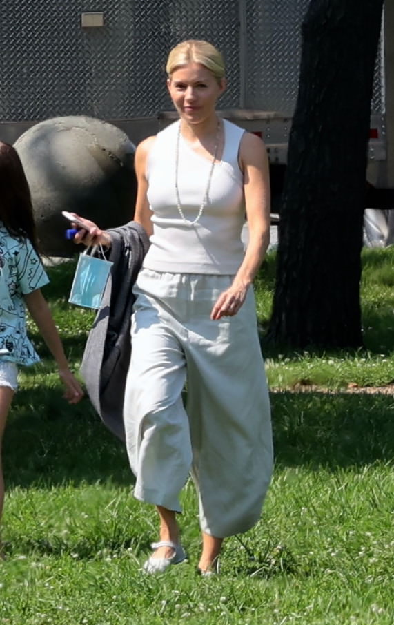 Sienna Miller y su hija Marlowe Ottoline Layng Sturridge