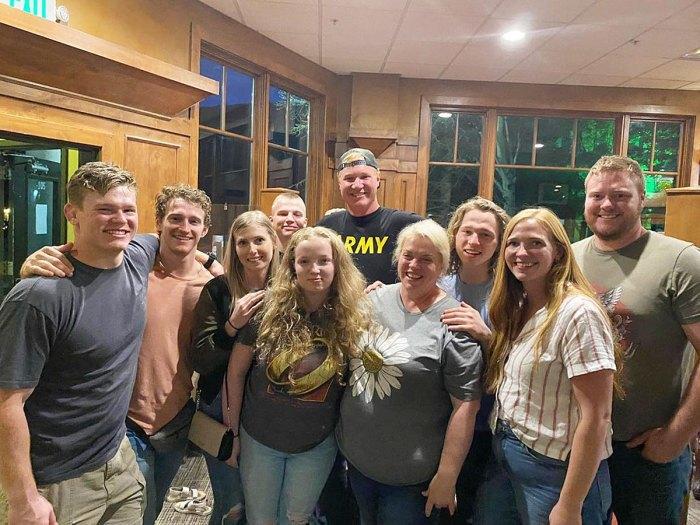 Las esposas de la hermana Janelle Brown se reúnen con su familia Utah