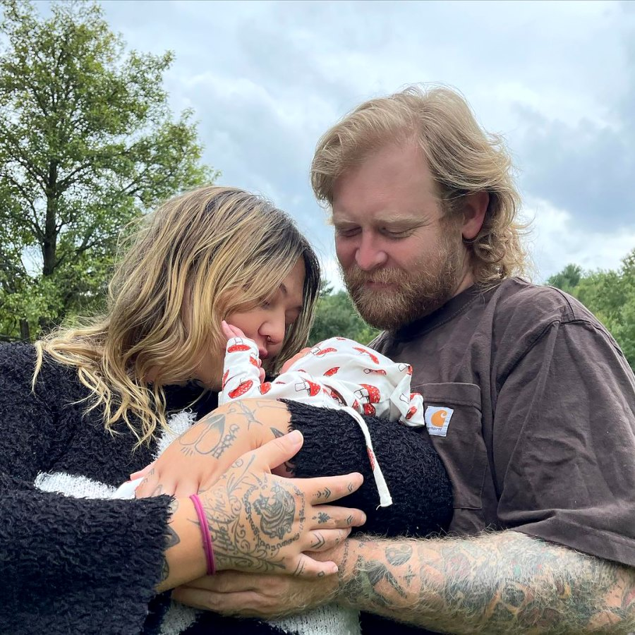 Baby Lucky! Elle King Welcomes First Child After Two Miscarriages