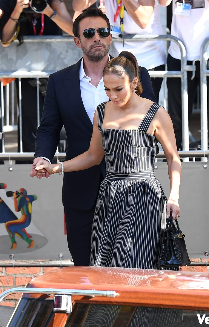 Ben Affleck rechaza al hombre por acercarse demasiado a la novia Jennifer Lopez en Italia