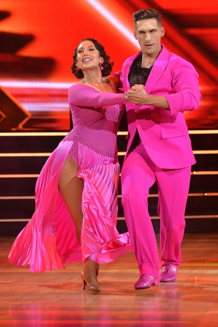 Cheryl Burke Tests Positive for Breakthrough COVID Ahead of DWTS Taping, Apologizes to Cody Rigsby 4