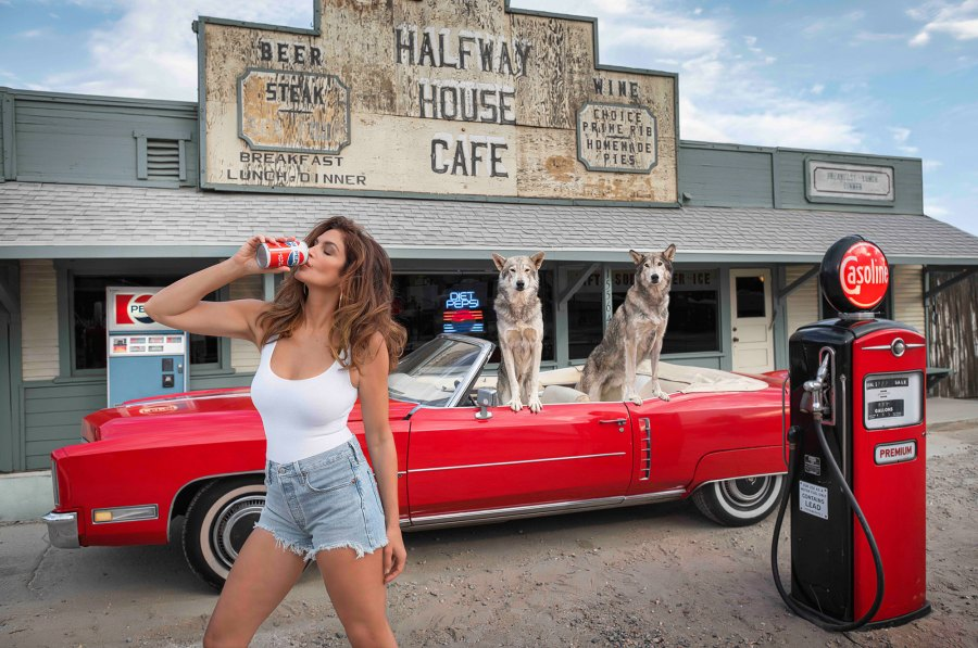 Cindy Crawford Recreates Sexy Pepsi Commercial 29 Years Later 2021 David Yarrow Photography