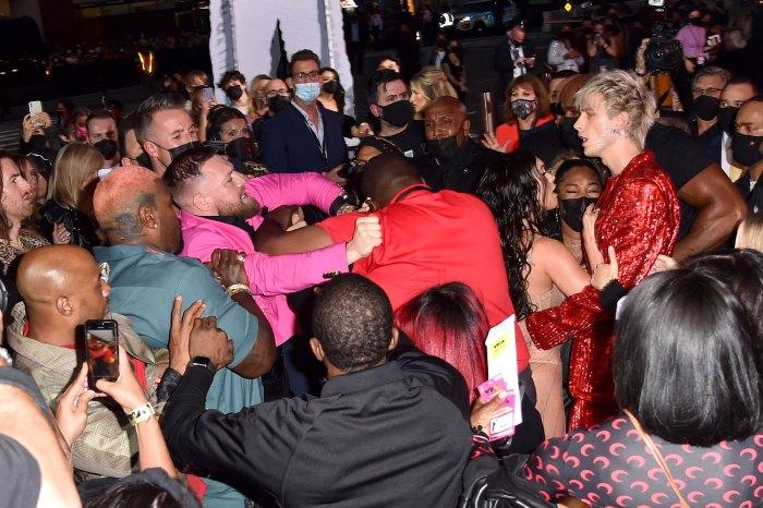 Conor McGregor Denies Machine Gun Kelly Fight at MTV 2021 VMAs 02