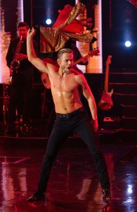Derek Hough Says 'DWTS' Couple Brian and Sharna Are 'Leading With Love'