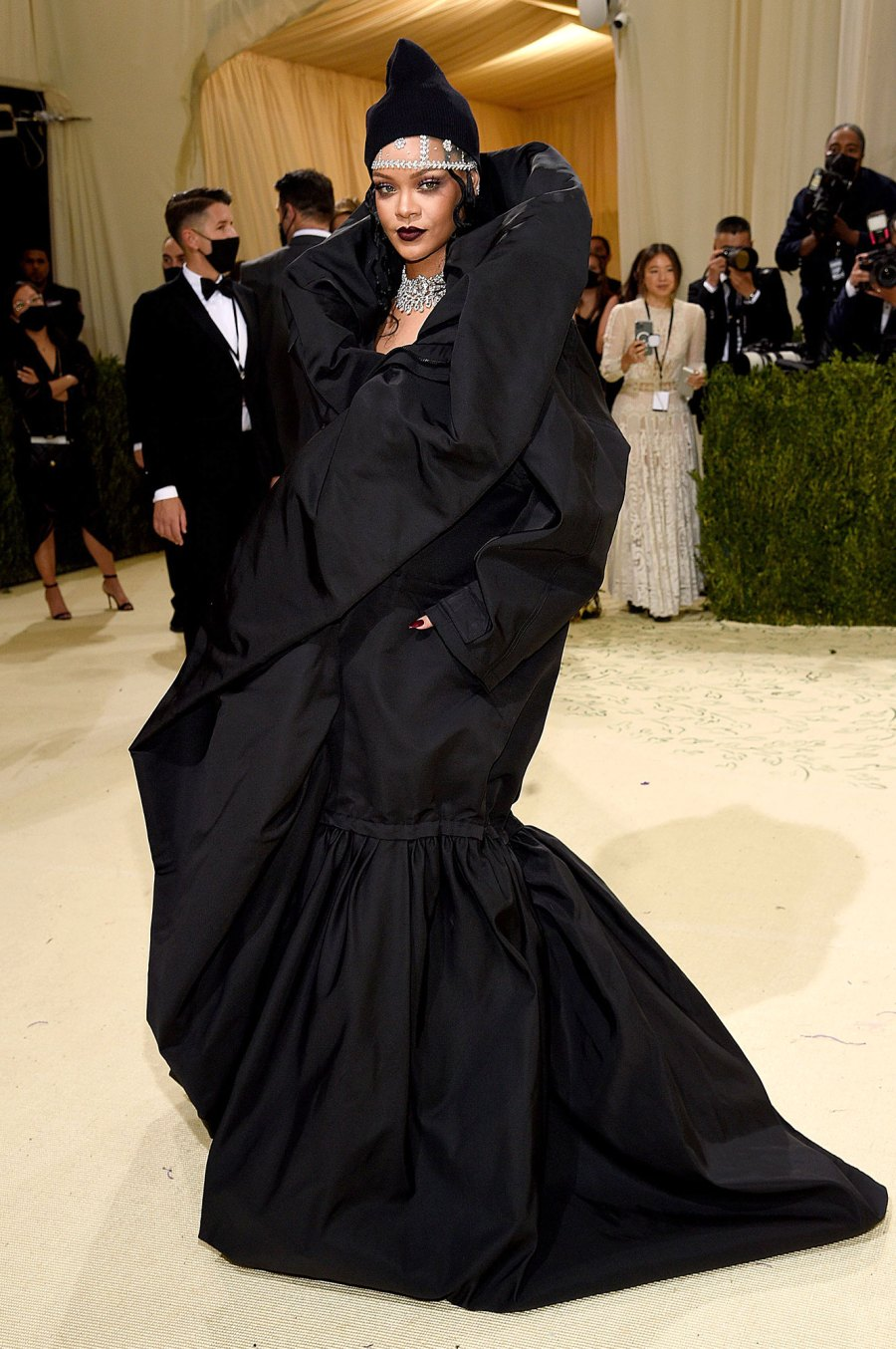 Feature Rihanna Most Extravagant Celebrity Bling From the 2021 Met Gala 2
