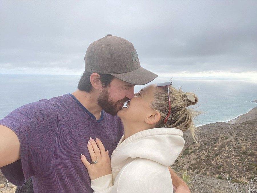 Kate Hudson Danny Fujikawa Relationship Timeline Update