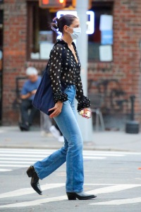 Katie Holmes walking to The Lucille Lortel Theatre in the West Village, NYC on September 22, 2021.