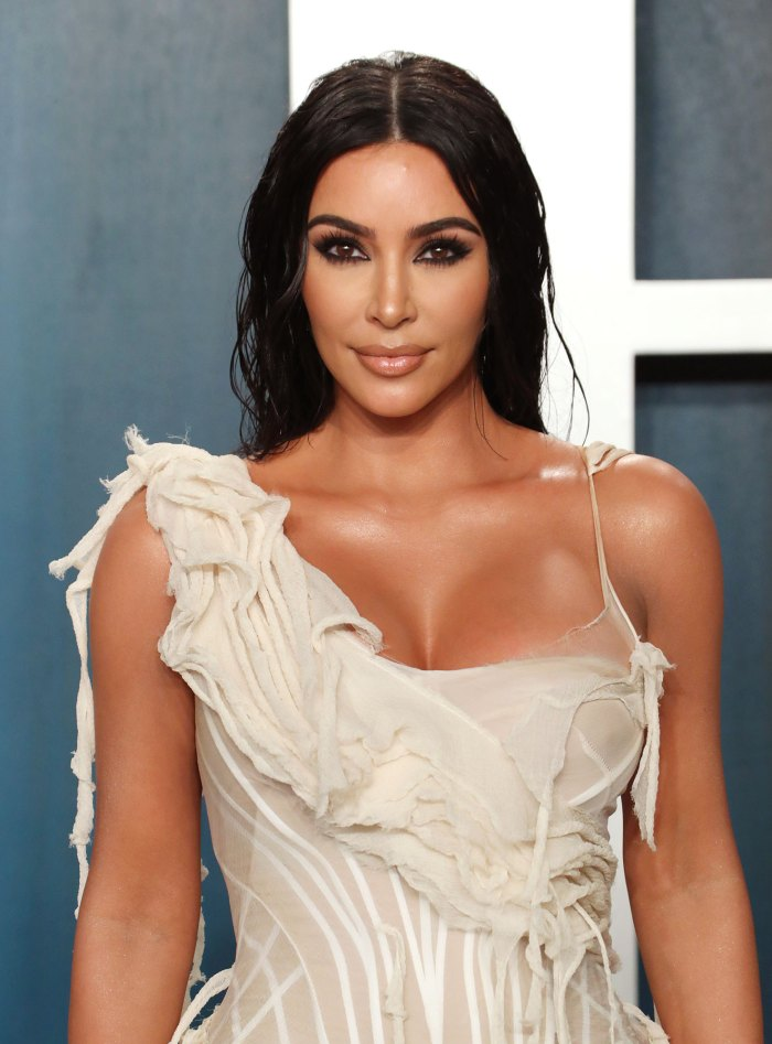 Kim Kardashian Finally Explains Bizarre Face-Covering Met Gala 2021 Outfit 3