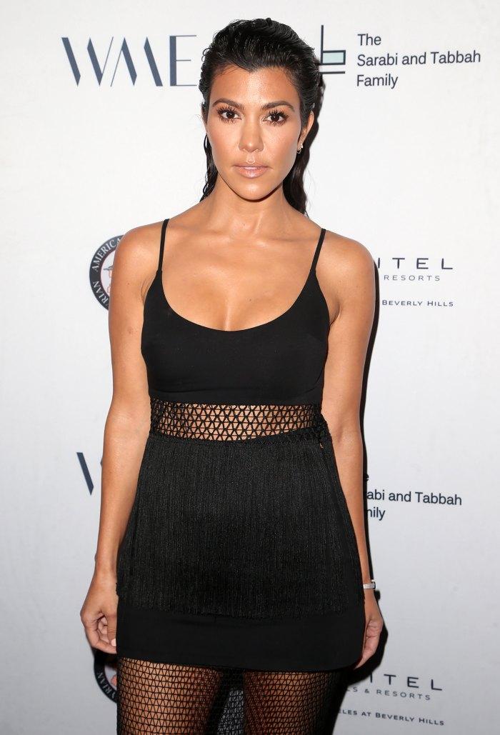 Kourtney Kardashian elimina fotos de trajes de baño sin editar a pesar de los elogios de los fanáticos
