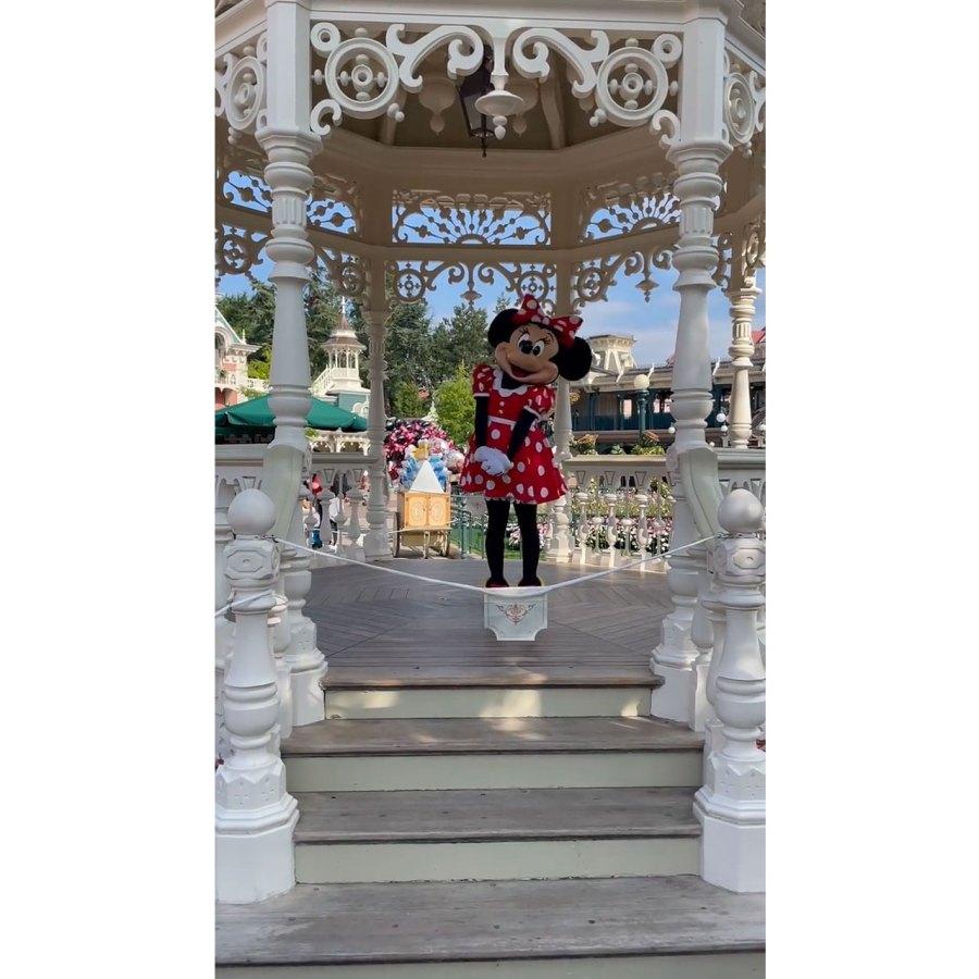 Kourtney Kardashian and Travis Barker Take Romantic Trip to Disneyland Paris 1 Minnie Mouse
