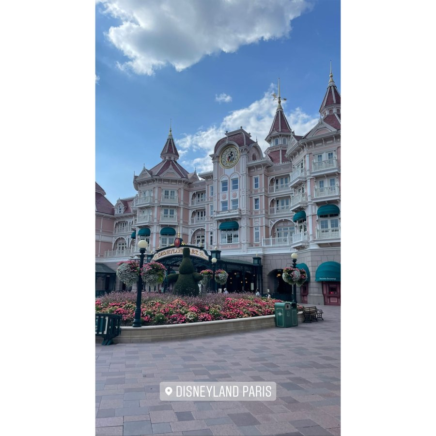 Kourtney Kardashian and Travis Barker Take Romantic Trip to Disneyland Paris 4