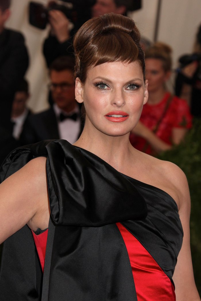 Model Linda Evangelista Reveals She Was 'Brutally Disfigured' by Cosmetic Procedure: I Have Become a Recluse