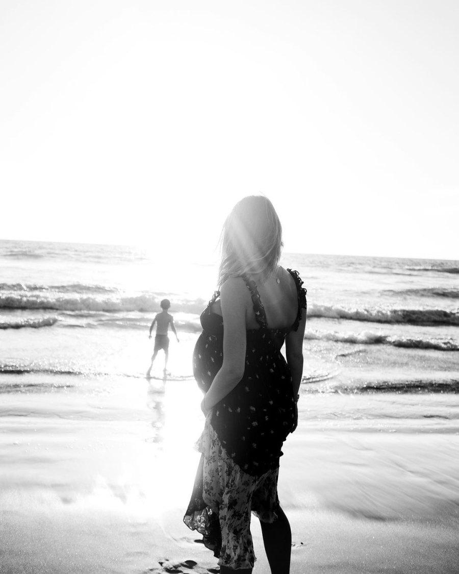 Pregnant Kaitlynn Carter's Baby Bump Album