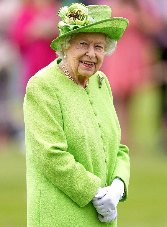Queen Elizabeth II Wish Prince Harry a Happy Birthday