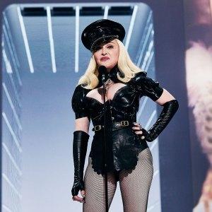 Watch Madonna Make Surprise Appearance VMAs 2021
