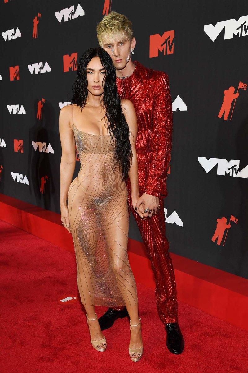 VMAs 2021: Machine Gun Kelly, Megan Fox Hold Hands
