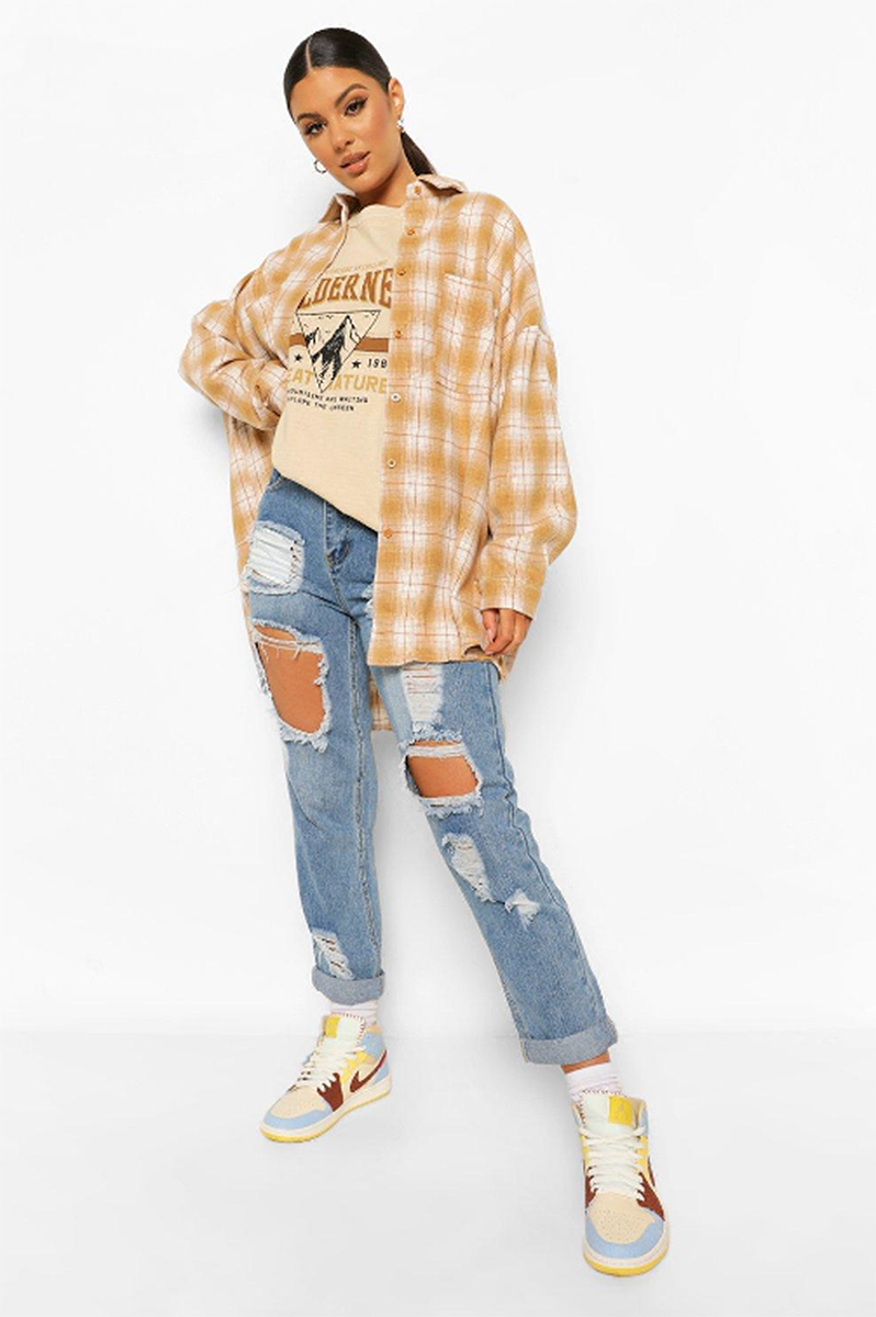 boohoo-fall-outfits-flannel-shirt