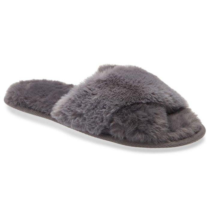 nordstrom-sale-faux-fur-slipper