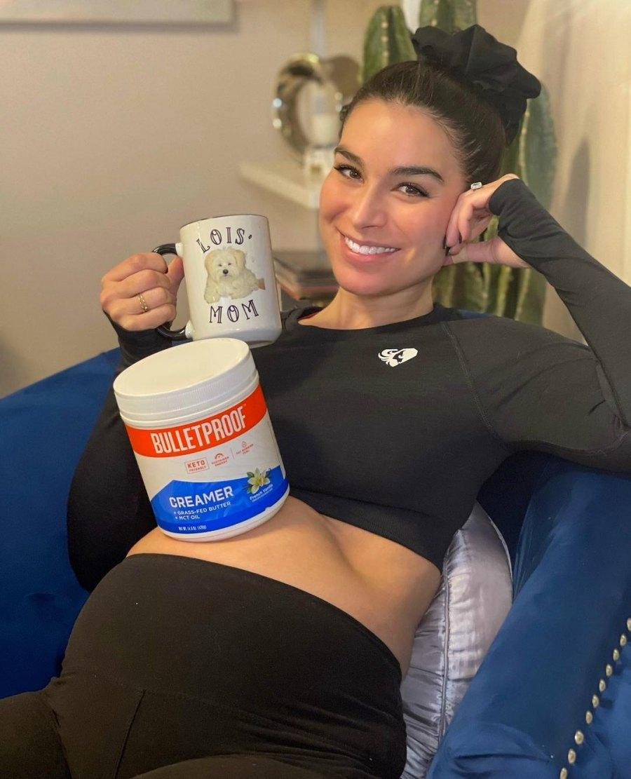 Bachelor's Ashley Iaconetti Defends Drinking Coffee Amid Pregnancy