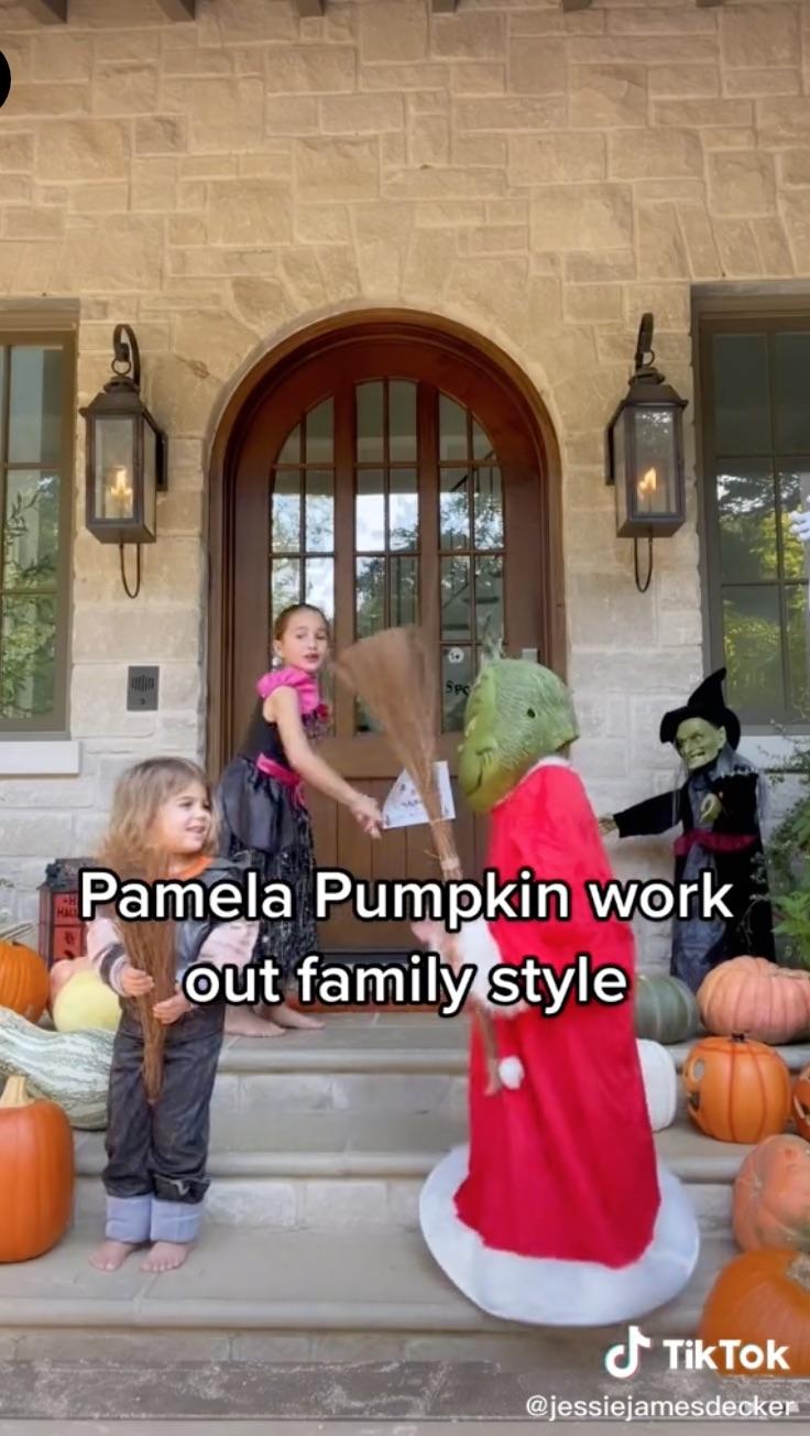 Celebrity Kids' Halloween Costumes of 2021 Jessie James Decker