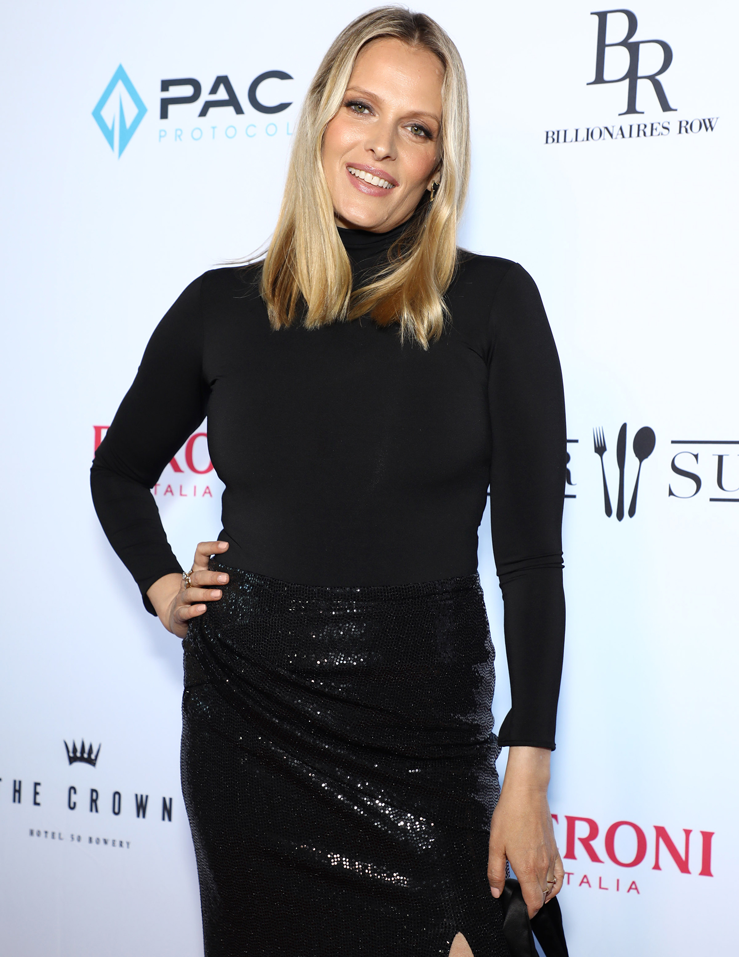 Would Vinessa Shaw Be Down to Reprise Her 'Hocus Pocus' Role in Sequel?
