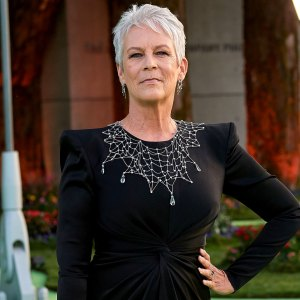 Jamie Lee Curtis Says Plastic Surgery Is 'Wiping Out Generations of Beauty'