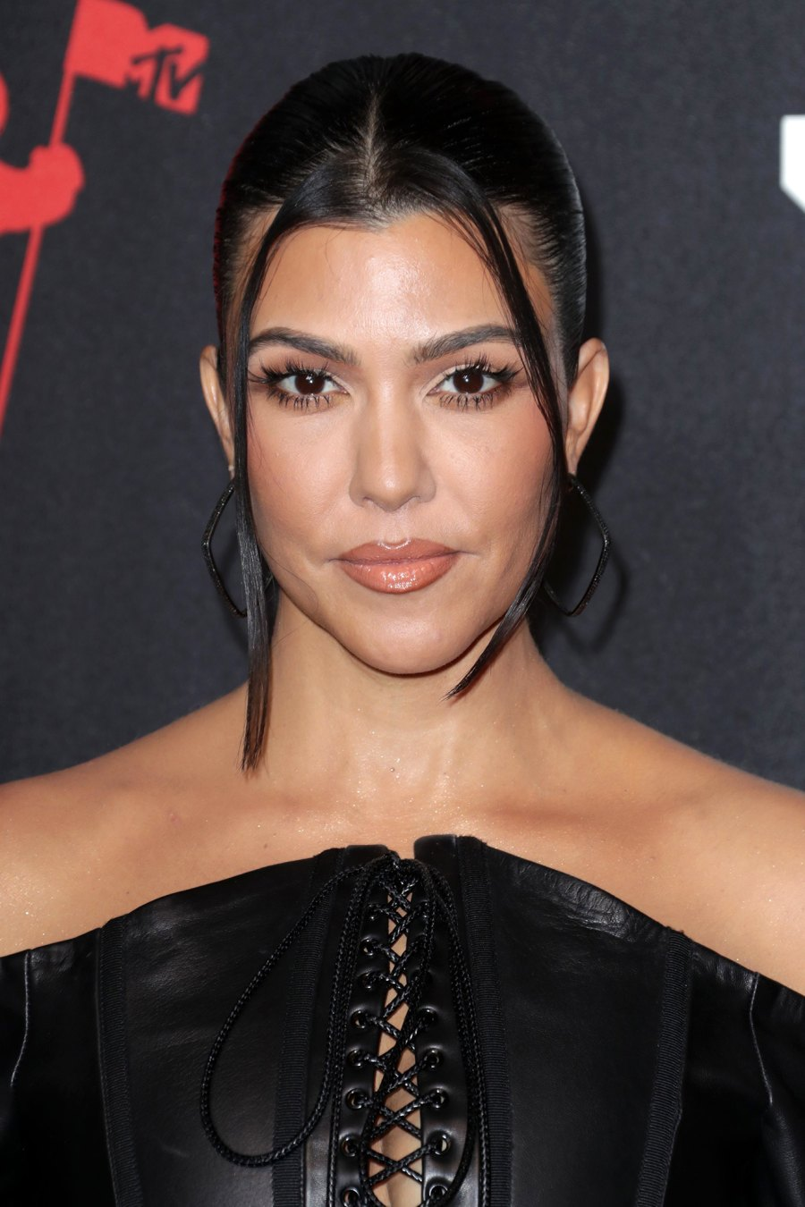 Kim Kardashian's Family Reacts to Her 'SNL' Roasting: Kourtney Kardashian, Kris Jenner and More Respond