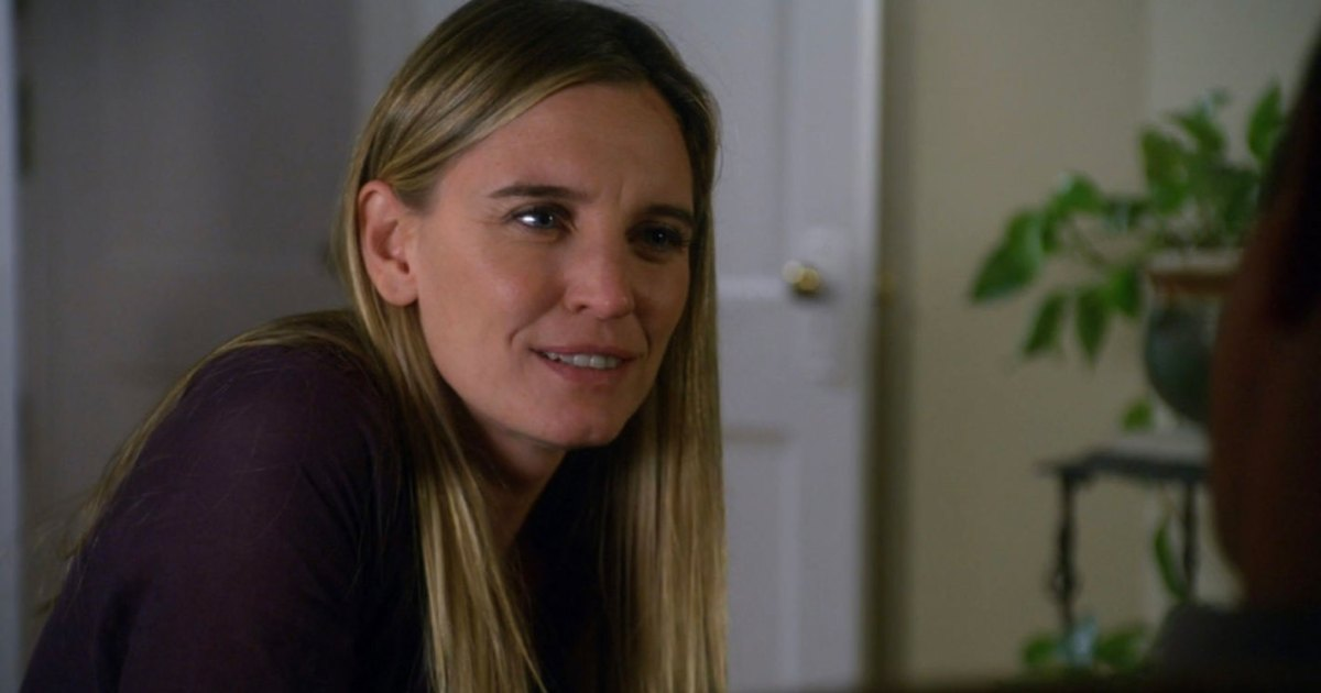 SVU's Isabel Gillies Broke Down in Tears Over Hate Directed at Kathy Stabler: 'Take It Down a Notch'.jpg