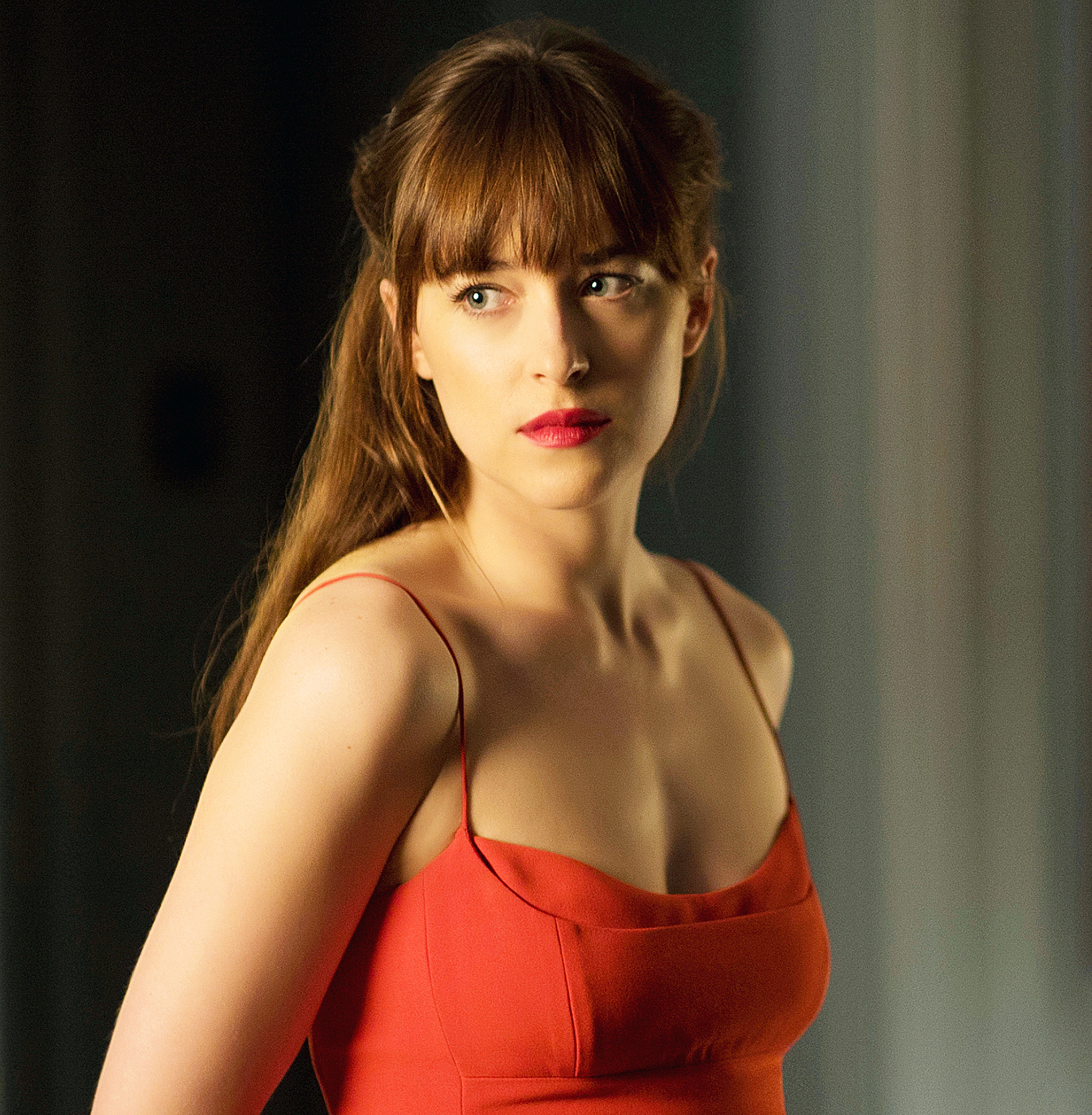 Every shade of lipstick ana wears in fifty shades darker for Cocktail 50 nuances de grey