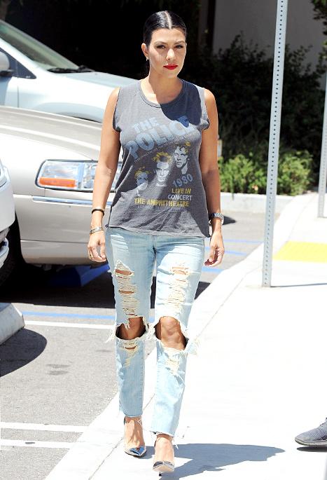 39a6849ef7 Pregnant Kim Kardashian Sports Back-to-Back Sheer Pregnancy Styles: Ph