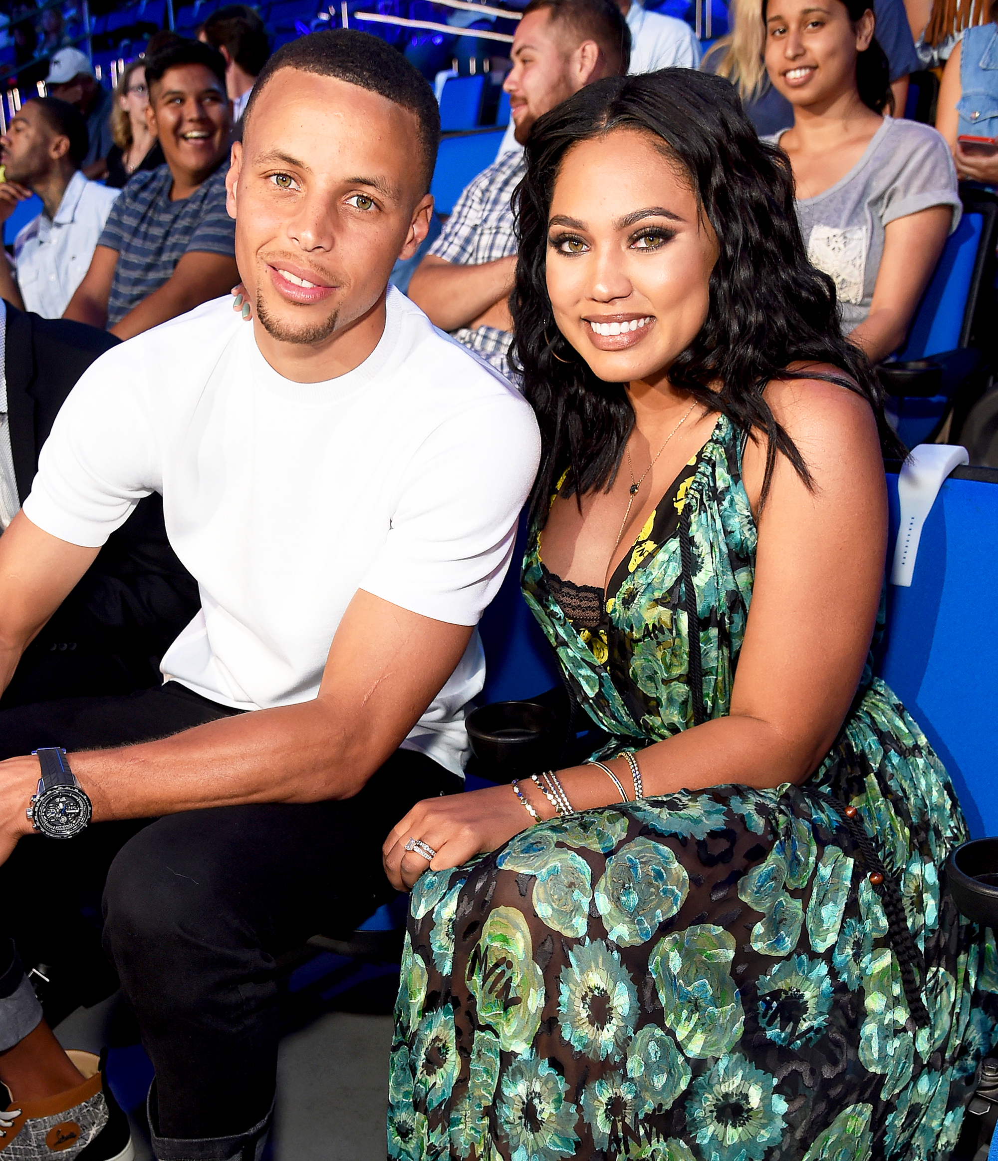 Ayesha Curry Gushes Over Shirtless Husband Stephen Curry