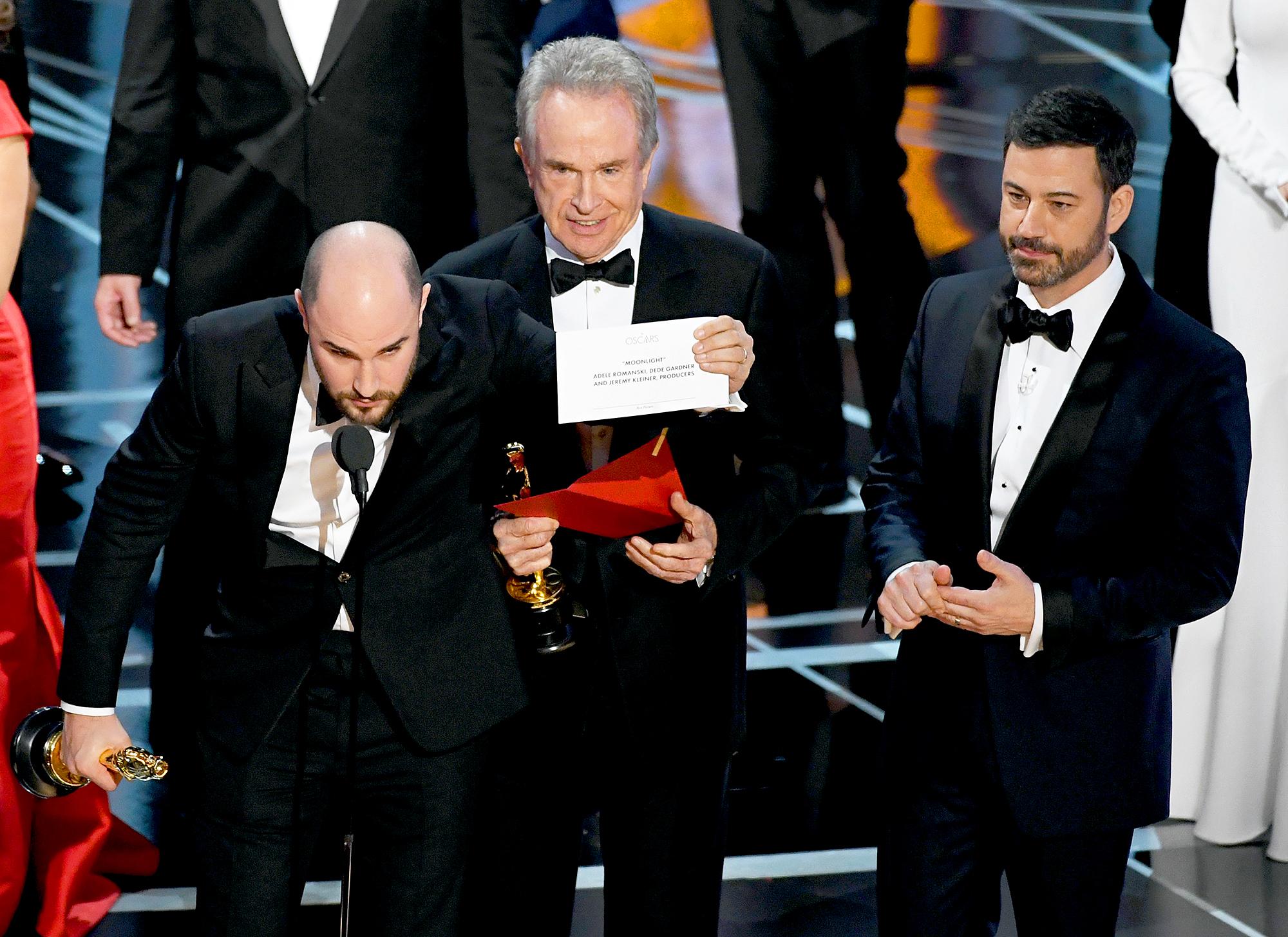 Oscars 2018: Jimmy Kimmel, Warren Beatty Recall Best Picture Mix-Up