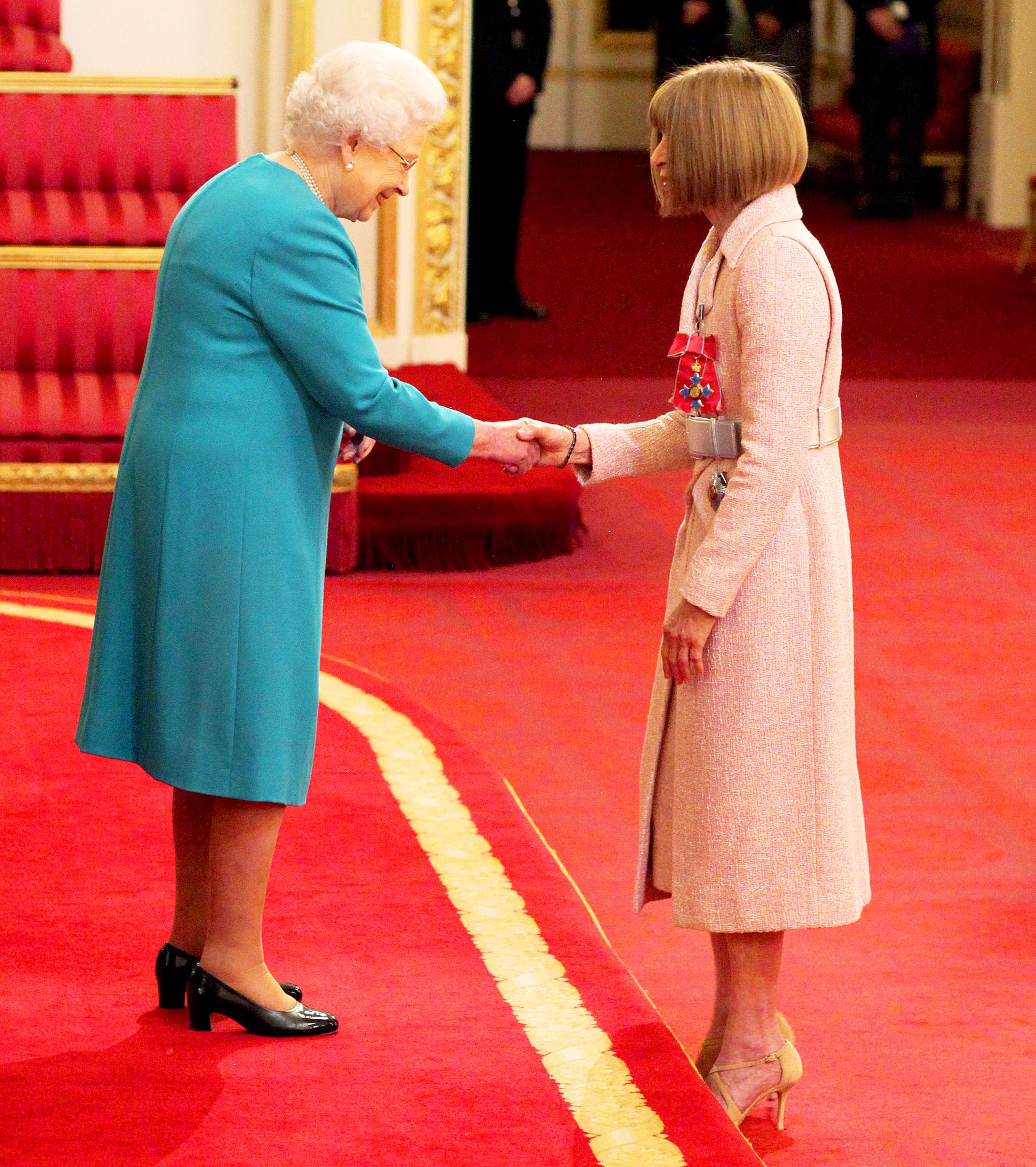 Queen Elizabeth II and Anna Wintour
