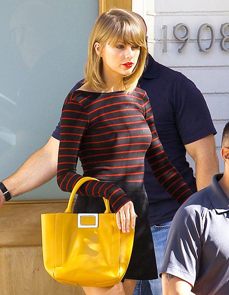 Taylor Swift - Yellow handbag