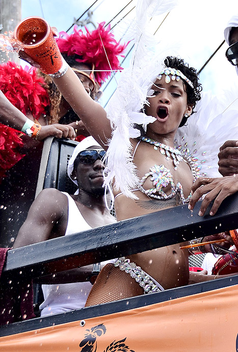 rihanna dumps liquor on people