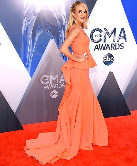 Carrie Underwood side shot