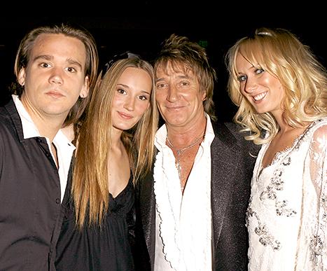 Sean Stewart, Ruby Stewart and Kimberly Stewart with Rod Stewart