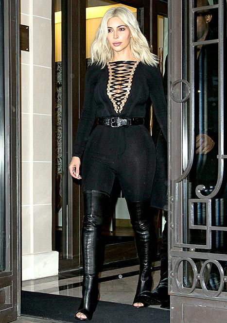 Kim Kardashian- Givenchy
