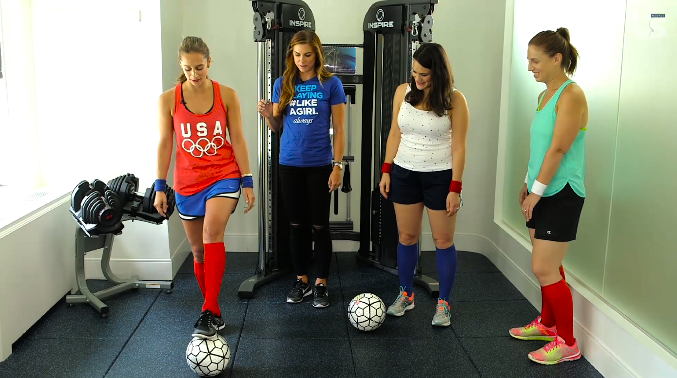 Alex Morgan teaching the Us Weekly staff.