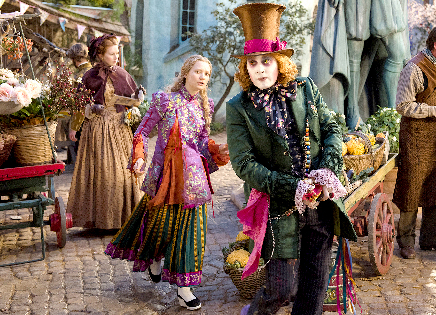 Mia Wasikowska and Johnny Depp in Alice Through The Looking Glass.
